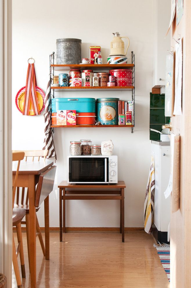 Removing Garbage Disposal for a Midcentury Kitchen with a Blankt Golv and Shabby Chic Inspirerad Kök by Blog.grahnat.se