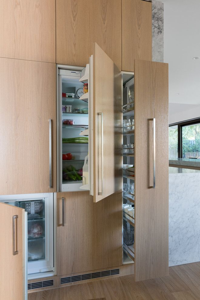 Renovate Credit Card for a Modern Kitchen with a Natural Finishes and Blackburn Residence by Studiomint
