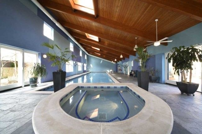 Robie House Chicago for a Modern Pool with a Plant and Becker Architects by Becker Architects Limited