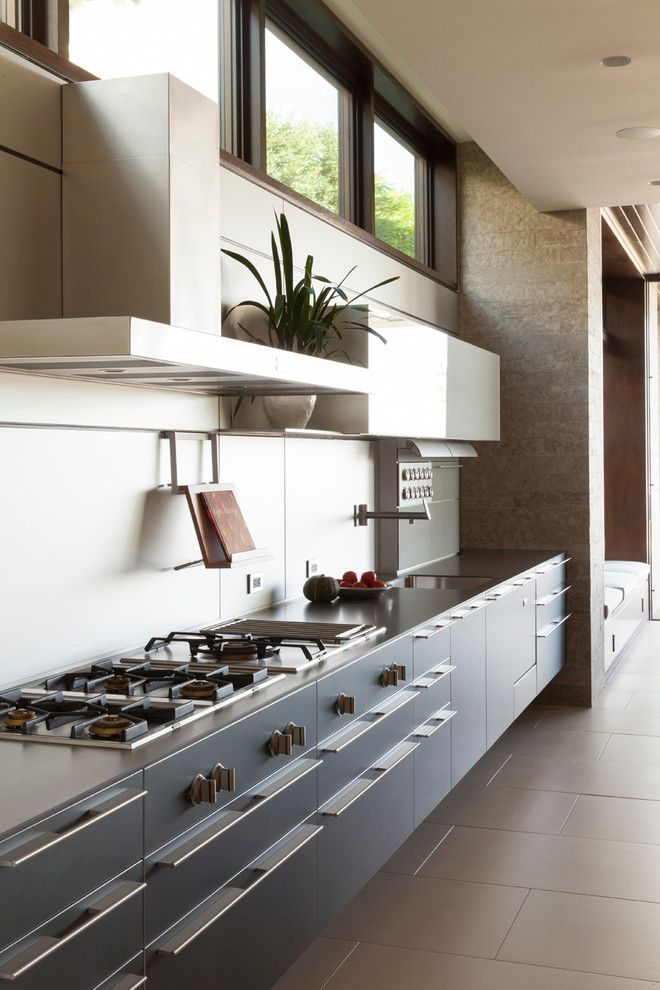 Roc Santa Monica for a Contemporary Kitchen with a High Ceiling and Palisades Residence by Abramson Teiger Architects