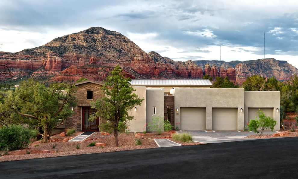 Ryland Homes Az for a Transitional Exterior with a Southwestern Style and Rimstone in Sedona, AZ by Dorn Homes
