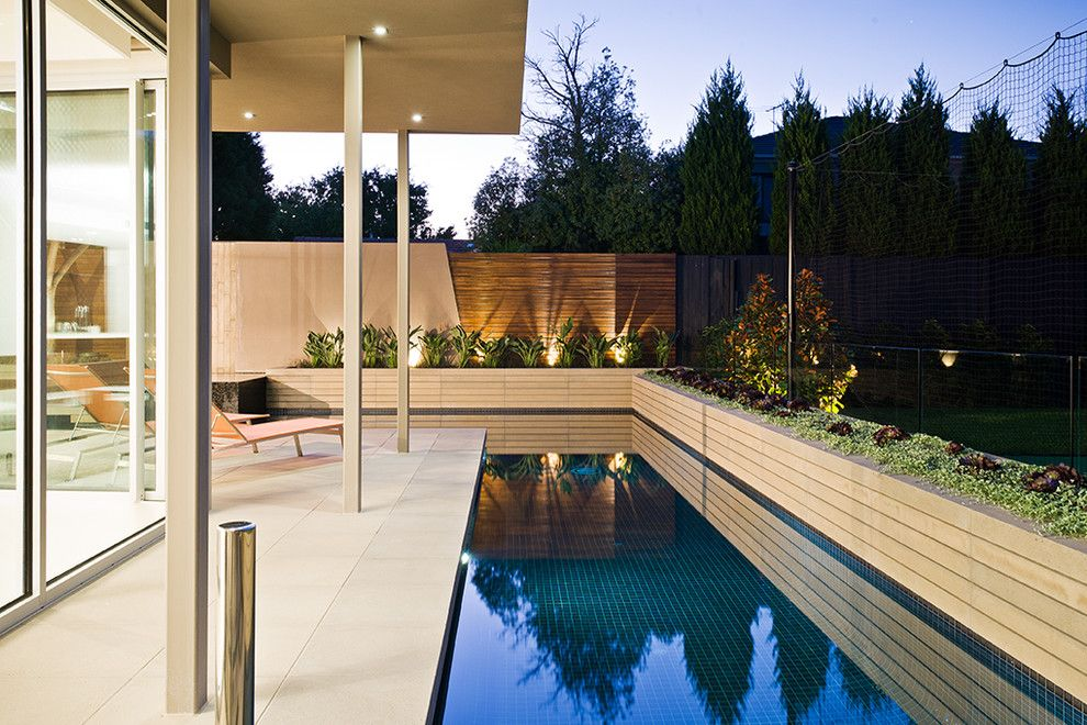 Sanded or Unsanded Grout for a Contemporary Landscape with a Contemporary and Garrell Street   Cos Design by C.o.s Design