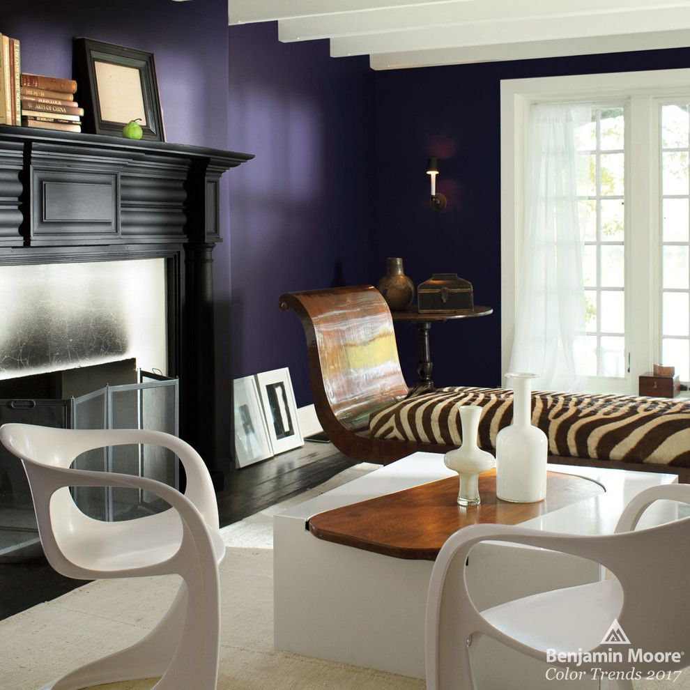 Sconce Definition for a Contemporary Living Room with a White Ceiling and Benjamin Moore by Benjamin Moore