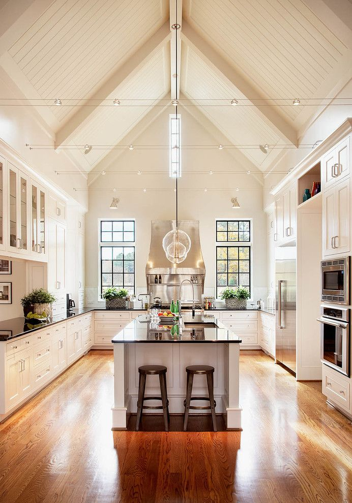 Sherwin Williams Paint Visualizer for a Traditional Kitchen with a White Kitchen Cabinets and Rufty Homes   Kitchen by Rufty Custom Built Homes and Remodeling
