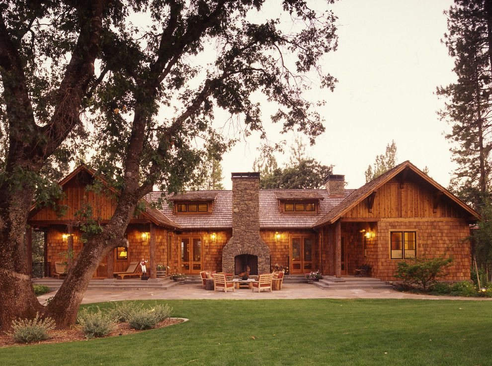 Sightline for a Rustic Exterior with a Weekend and Family Ranch by Tucker & Marks