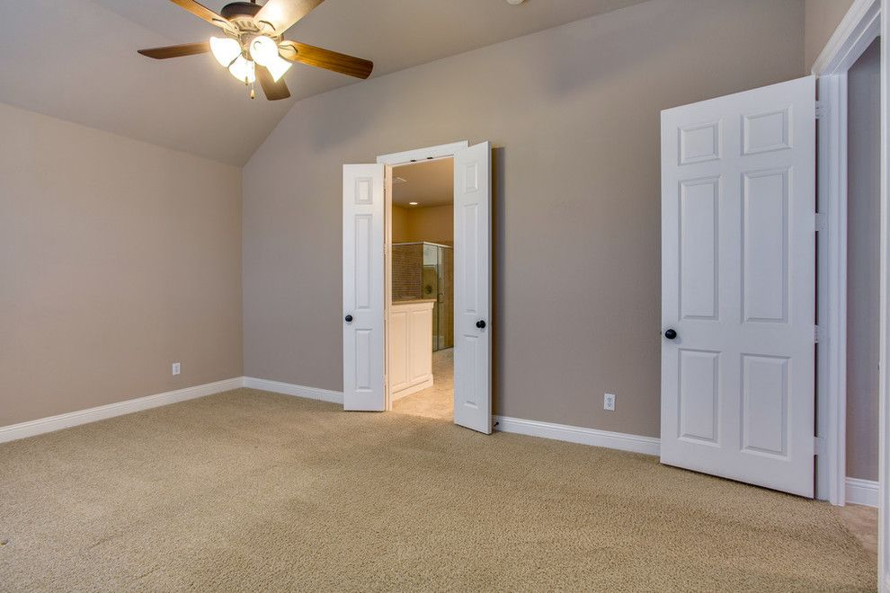 Sloan Realty for a Traditional Bedroom with a Lifestyle and 9112 Cypress Creek Rd Lantana, Tx 76226   $369,000 by the Woods Group   Keller Williams Realty