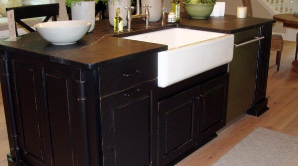Slow Draining Sink for a Traditional Kitchen with a Farm Sink and 2013 Parade of Homes - Pinnacle Homes Winner - Best Kitchen by Columbia Cabinets