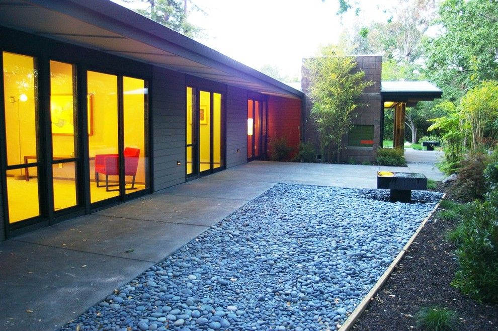 Southern Crushed Concrete for a Contemporary Patio with a Tall Windows and Mid Century Modern Eichler Esque Remodel Patio by Hart Wright Architects, Aia