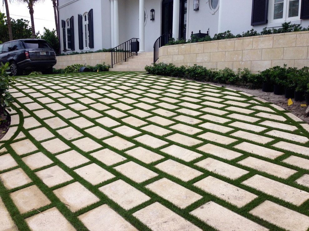 Southwest Greens for a Traditional Exterior with a Synthetic Grass and Artificial Grass by Southwest Greens of Florida