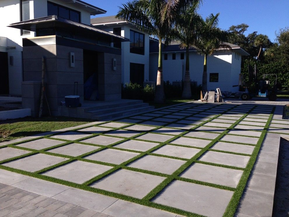 Southwest Greens for a Traditional Landscape with a Artificial Lawn and Artificial Grass by Southwest Greens of Florida
