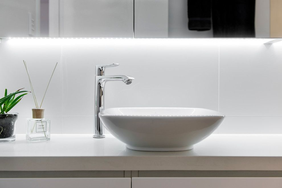 Sparkle Pools for a Modern Bathroom with a Cambuild and City Beach by Cambuild