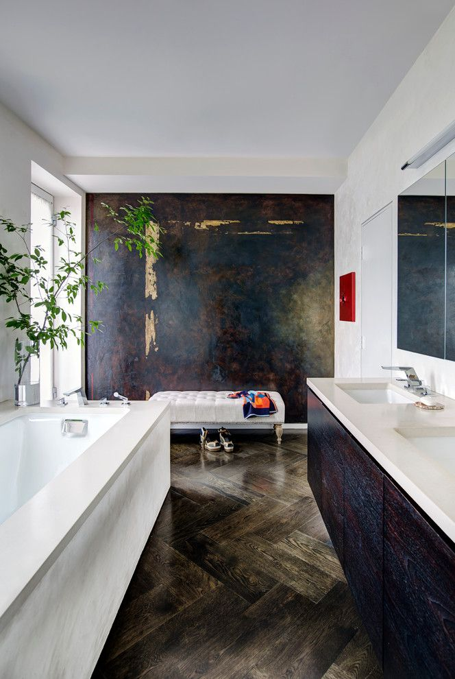 Spca New Orleans for a Contemporary Bathroom with a Herringbone Wood Floor and Ippolita Residence by Eoa / Elmslie Osler Architect