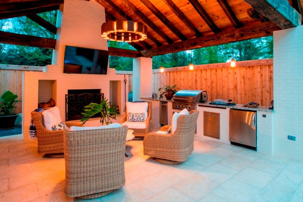 Splash Baton Rouge for a  Spaces with a Kitchen Addtions and Outdoor Kitchen by Bernhard Normand