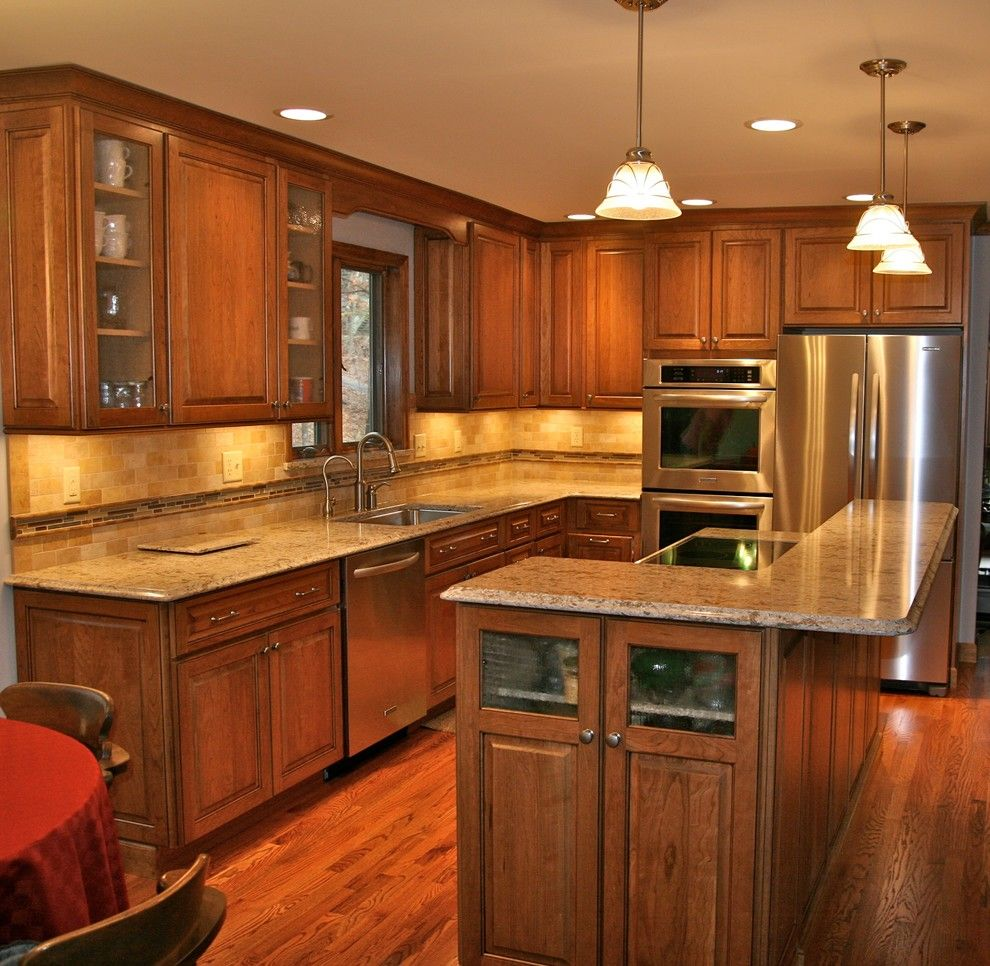 St Albans Mo for a Traditional Kitchen with a Callier Thompson Kitchens and Traditional Midwestern Kitchen by Callier & Thompson Kitchens, Baths and Appliances