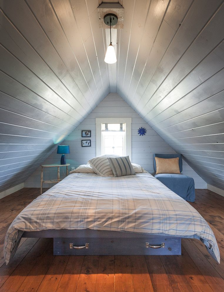 St Peters Olney for a Beach Style Bedroom with a Pendant Light and My Houzz: Rustic Summer Home in Heritage Community Trinity by Becki Peckham