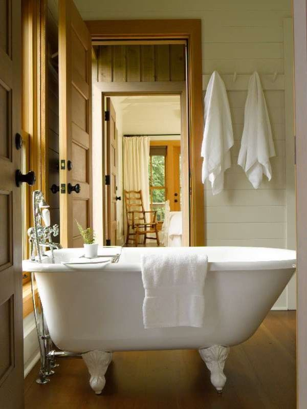 Standard Plumbing Utah for a Traditional Bathroom with a San Juan Islands and Guest Cabin by Bosworth Hoedemaker