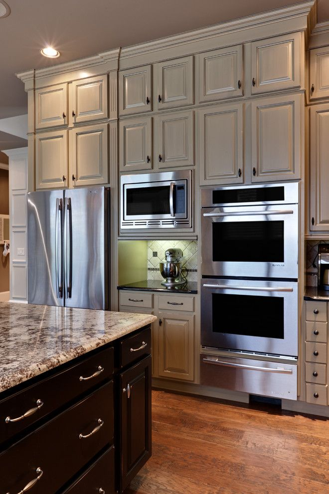 Sullivans Island Sc for a Traditional Kitchen with a Wood Cabinets and Teri Turan by Turan Designs, Inc.