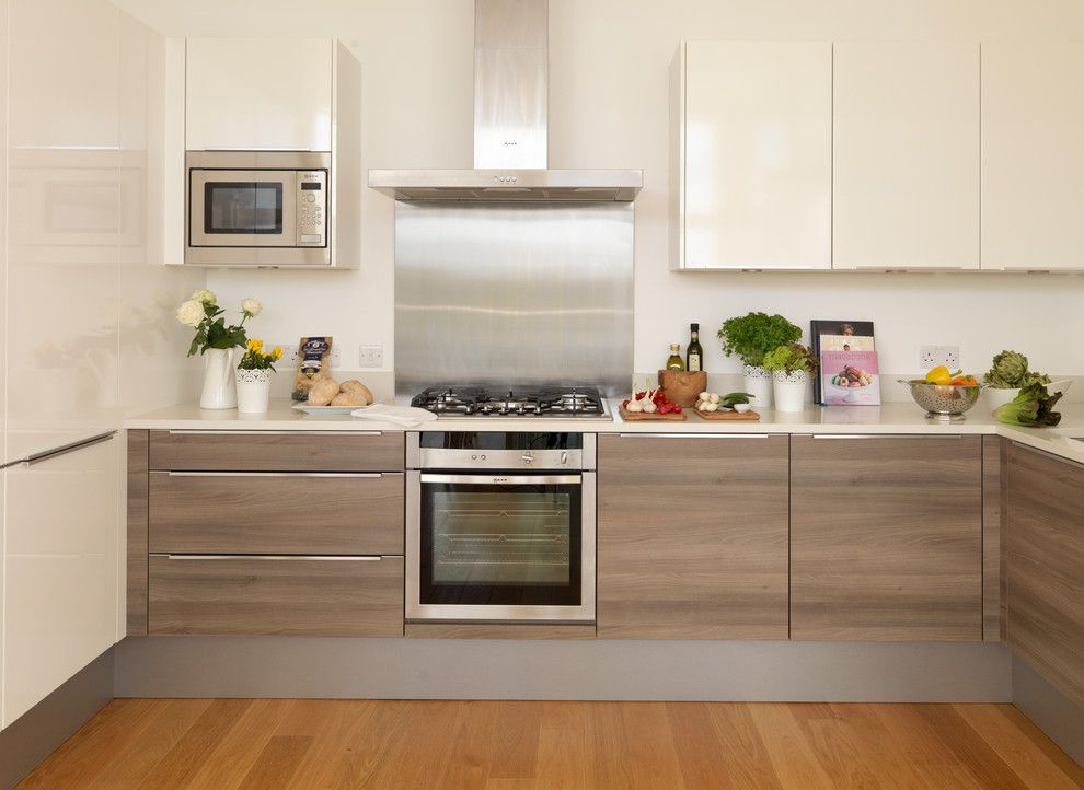 Summit Appliance for a Contemporary Kitchen with a Oven and Upside Down Houses by My Interior Stylist Ltd
