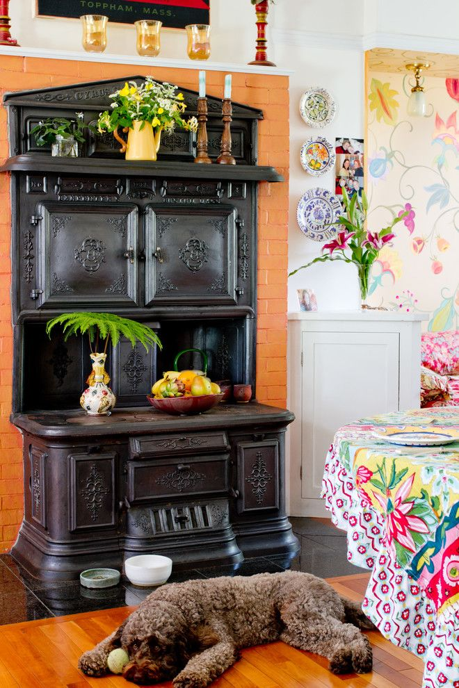 The Iron Giant Cast for a Victorian Kitchen with a Wall Mounted Plates and My Houzz: Laurie Rabe by Rikki Snyder