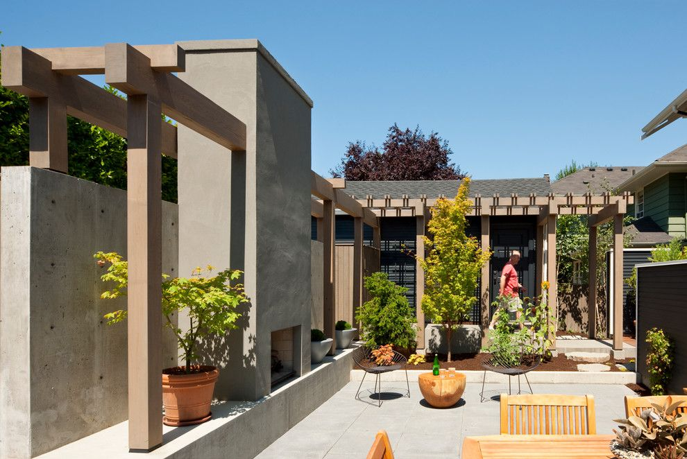 Thousand Oaks Theater for a Contemporary Patio with a Contemporary and Mt. Baker Courtyard by Tyler Engle Architects Ps