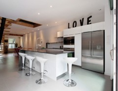 Tic Tac Shot for a Contemporary Kitchen with a Taktik Design and Condo Plateau TakTik Design - Montreal by David Giral Photography