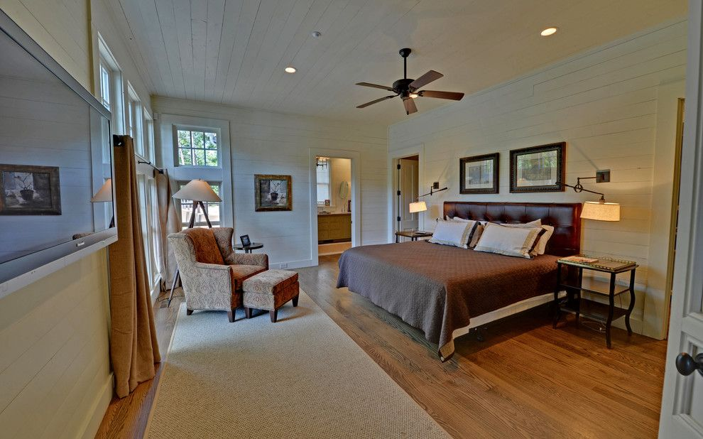 Town Lake Ymca for a Rustic Bedroom with a Lake Burton and Lake Burton Custom Homes by Envision Web