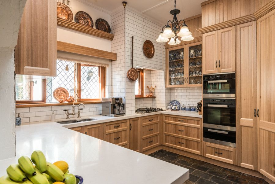 Tudor Oaks for a Traditional Kitchen with a Tasmanian Oak and Tudor Kitchen   Strathalbyn, Sa by Space Craft Joinery