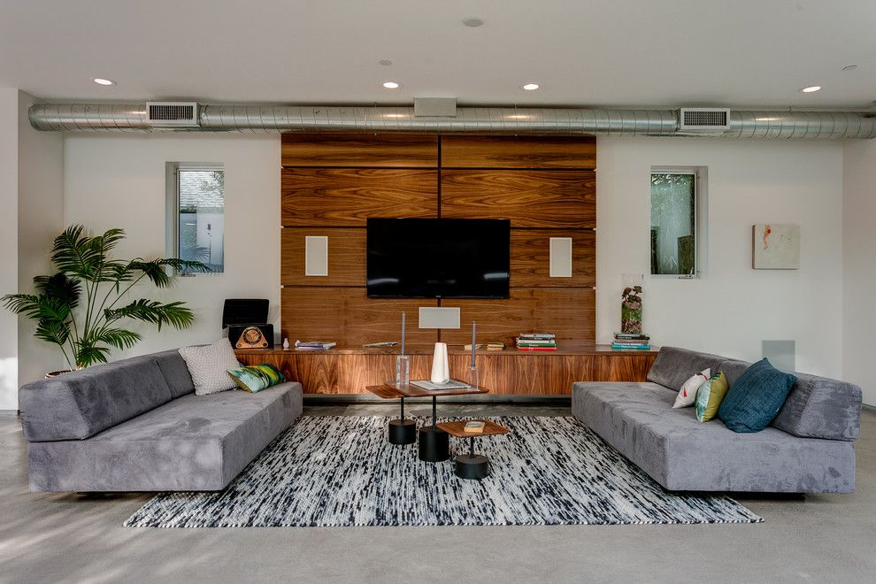 United Artist Laguna for a Contemporary Living Room with a Gray Sofas and Milwood by Forza Construction Inc