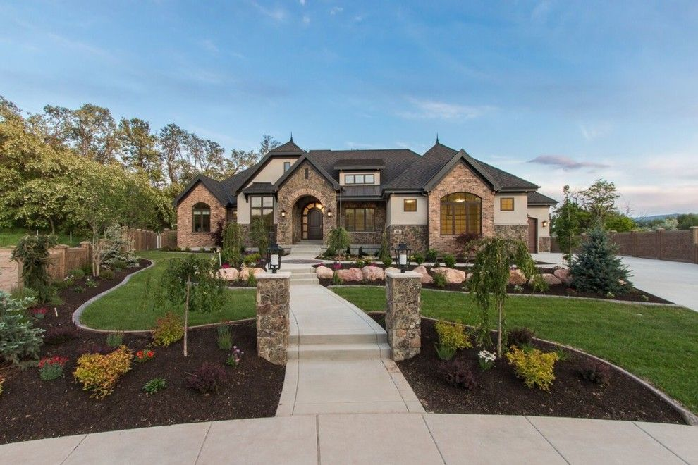 Utah Valley Parade of Homes for a  Exterior with a Natural Stone and Utah Valley Parade of Homes 2016: Rc Dent by Hearth and Home Distributors of Utah, Llc. (Hhdu)