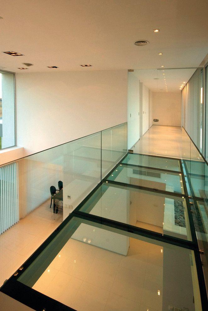 Vistal Golf for a Modern Hall with a Modern and Vanguarda Architects by Vanguarda Architects