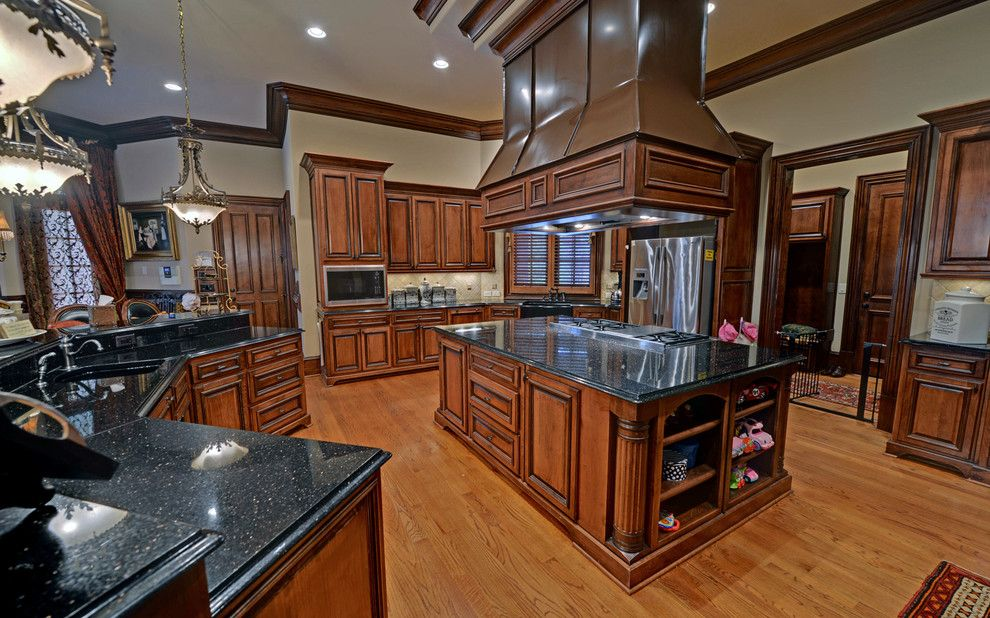 Wade Hampton Golf Club for a Eclectic Kitchen with a Envision Virtual Tours and the River Club Custom Homes by Envision Web