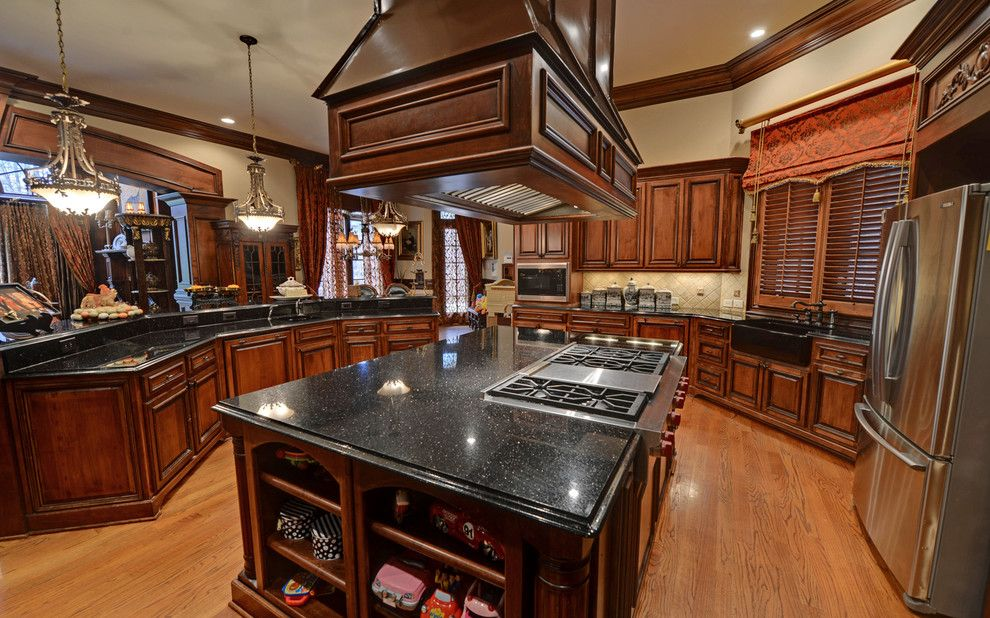 Wade Hampton Golf Club for a Eclectic Kitchen with a Suwanee and the River Club Custom Homes by Envision Web