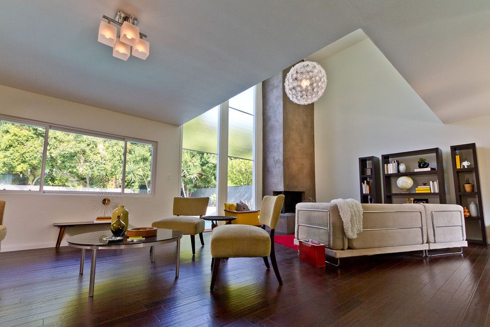 Walter Knoll for a Modern Living Room with a Modern and Modern Living Room Style by Madison Modern Home