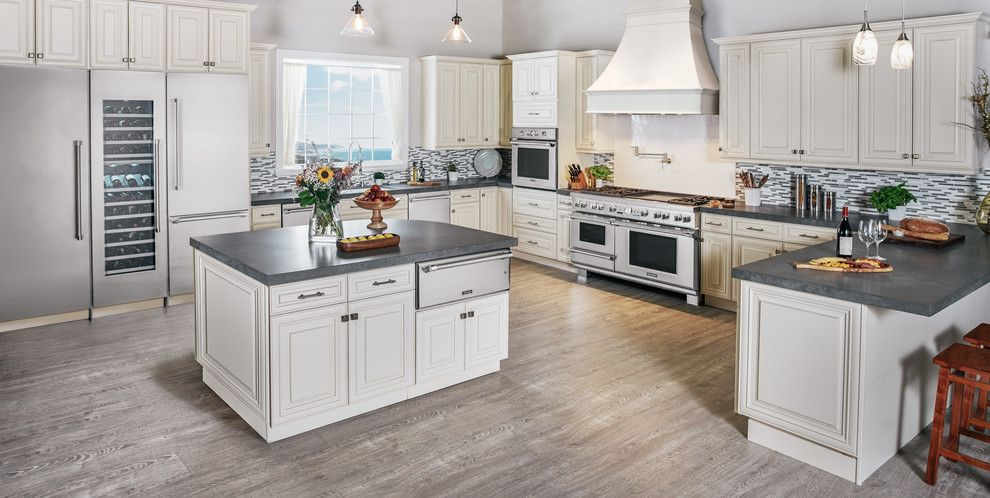 Watercolors Florida for a Traditional Kitchen with a Pendant Lights and Thermador by Thermador Home Appliances