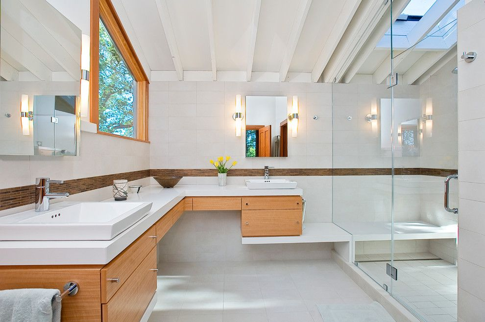 White Stallion Ranch for a Contemporary Bathroom with a Open Shower and Sonoma / Sea Ranch Redux by Marcus & Willers Architects