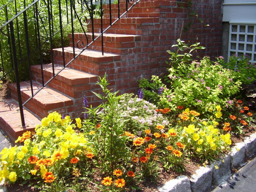 Winston Flowers Boston for a Traditional Landscape with a Traditional and Planting Beds by Natureworks Landscape Services, Inc.