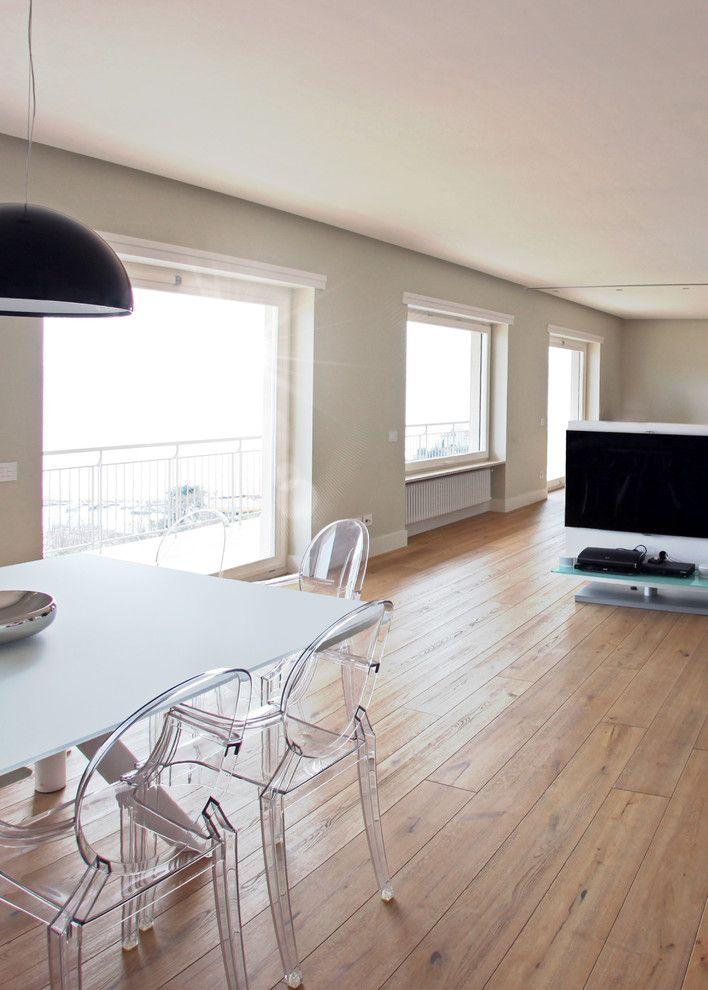 Woodco for a Contemporary Spaces with a Pavimenti and Ristrutturazione Villa Con Con Parquet Must by Woodco