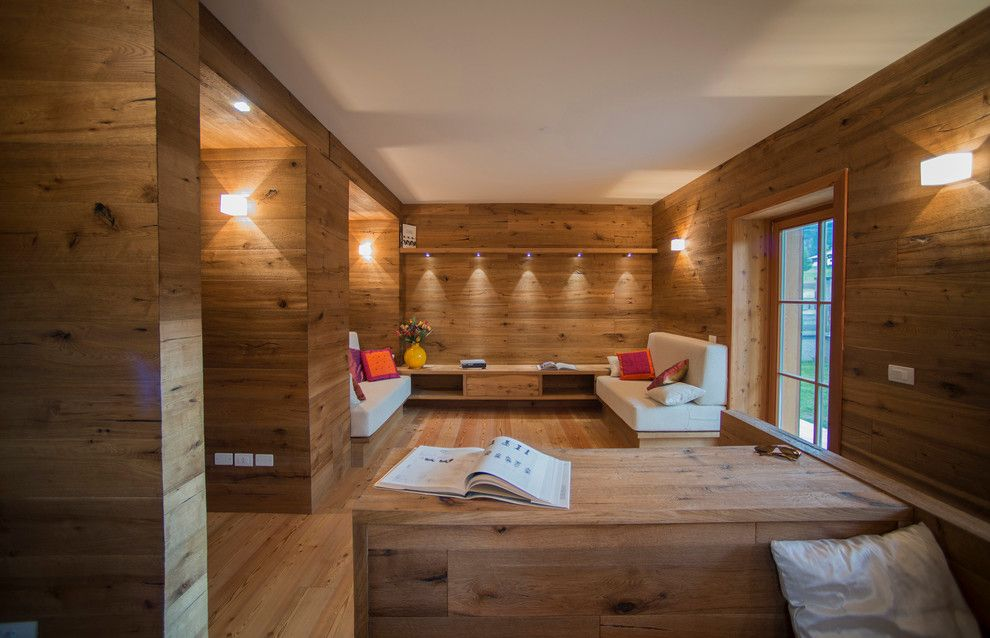 Woodco for a Craftsman Living Room with a Pavimenti and Ristrutturazione Appartamento by Woodco