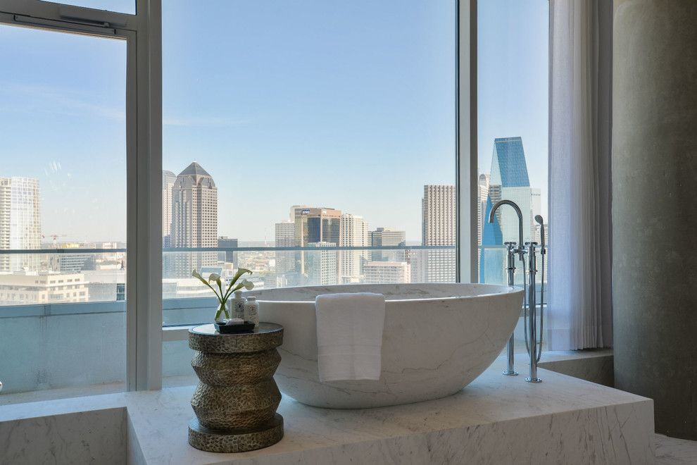 Zaza Hotel Dallas for a Modern Bathroom with a City View and W Hotel Dallas South Unit by Platinum Series by Mark Molthan