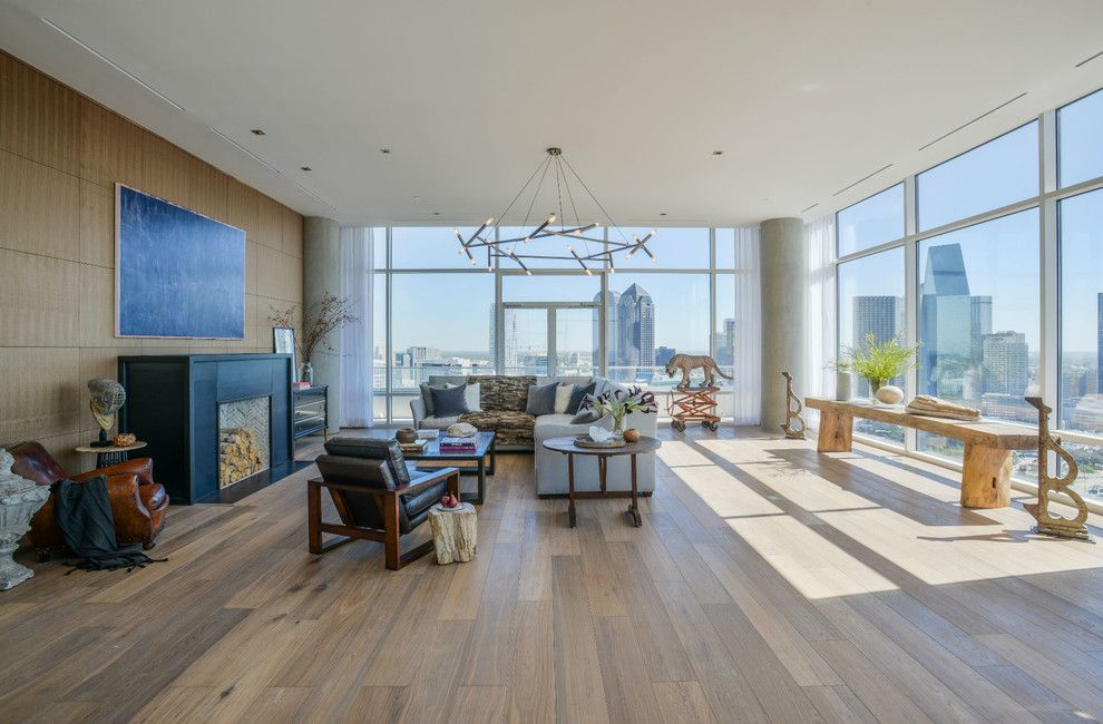 Zaza Hotel Dallas for a Modern Living Room with a Grey Sofa and W Hotel Dallas South Unit by Platinum Series by Mark Molthan