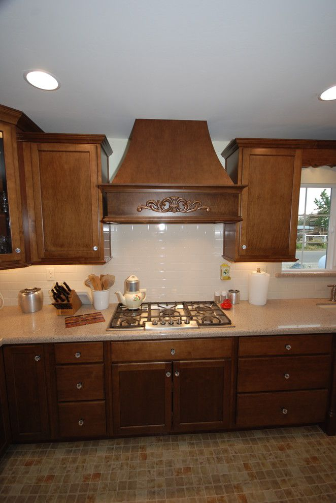 Zodiaq Countertops for a Traditional Kitchen with a Cabinets and Cognac and Willow with Savory by Blue River Cabinetry