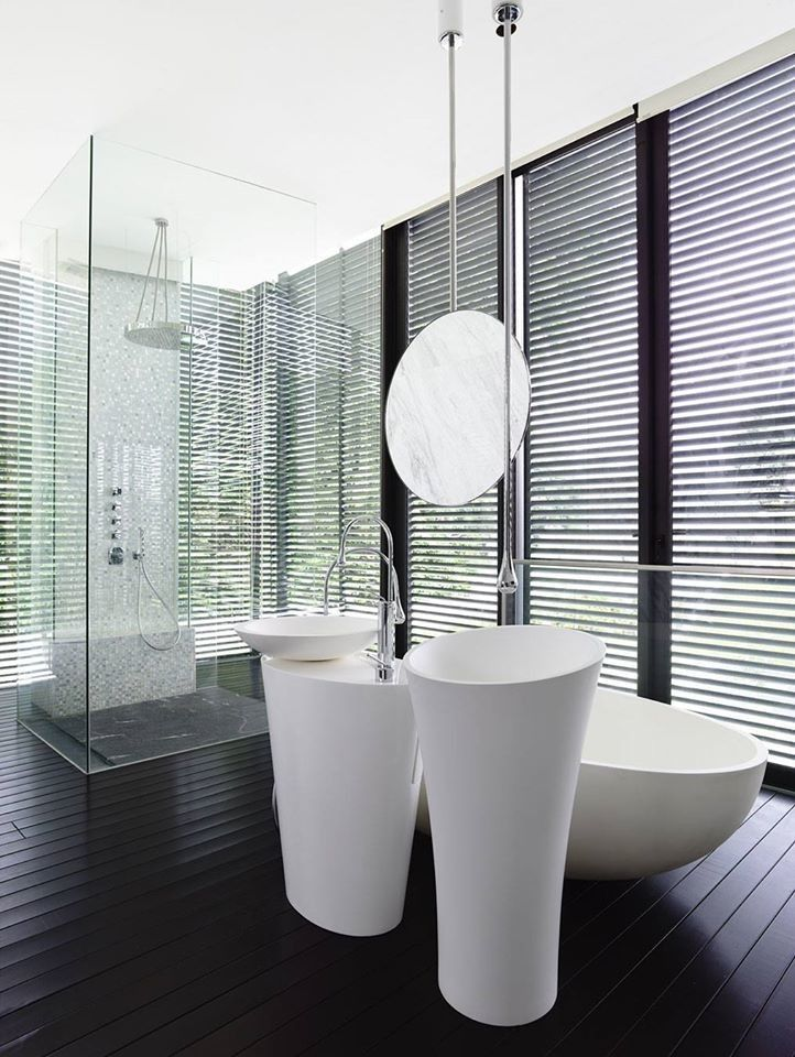 Zucchetti for a Contemporary Bathroom with a Prospero Rasulo and Andrew Road 3 Storey Bungalow by Gessi Singapore